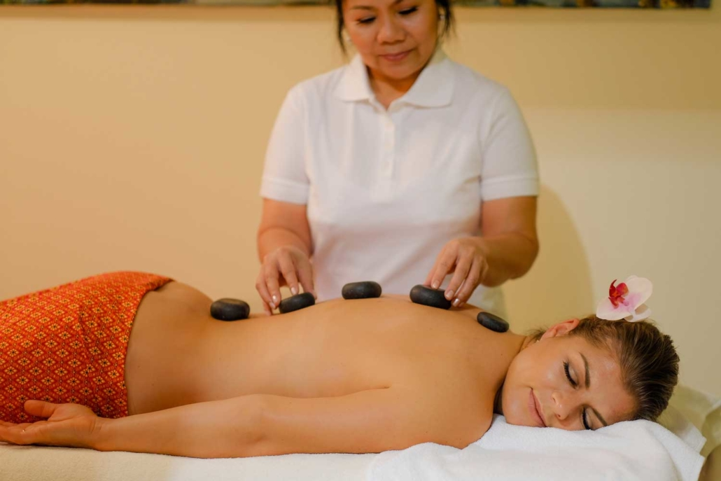 Hot Stone Massage im Schönheitssalon Patcharee in Hamburg Niendorf