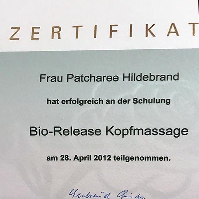 Dies ist ein Zertifikat von Gertraud Gruber Kosmetik für Patcharee Hildebrand über die erfolgreiche Teilnahme an der Schulung 'Bio-Release Kopfmassage'