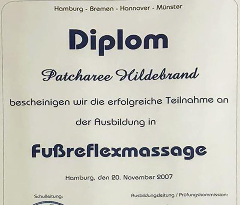 Dies ist ein Diplom der Dr. Leibbrand Schulen für Patcharee Hildebrand über die erfolgreiche Teilnahme an der Ausbildung 'Fußreflexzonenmassage'